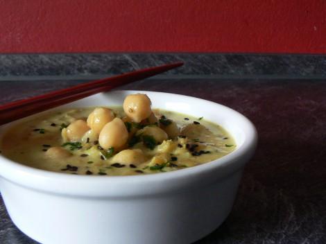 Gelbes Kichererbsen-Linsen-Curry