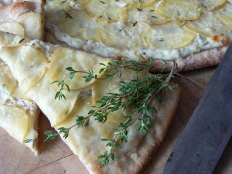 Kartoffel-Schmand-Pizza
